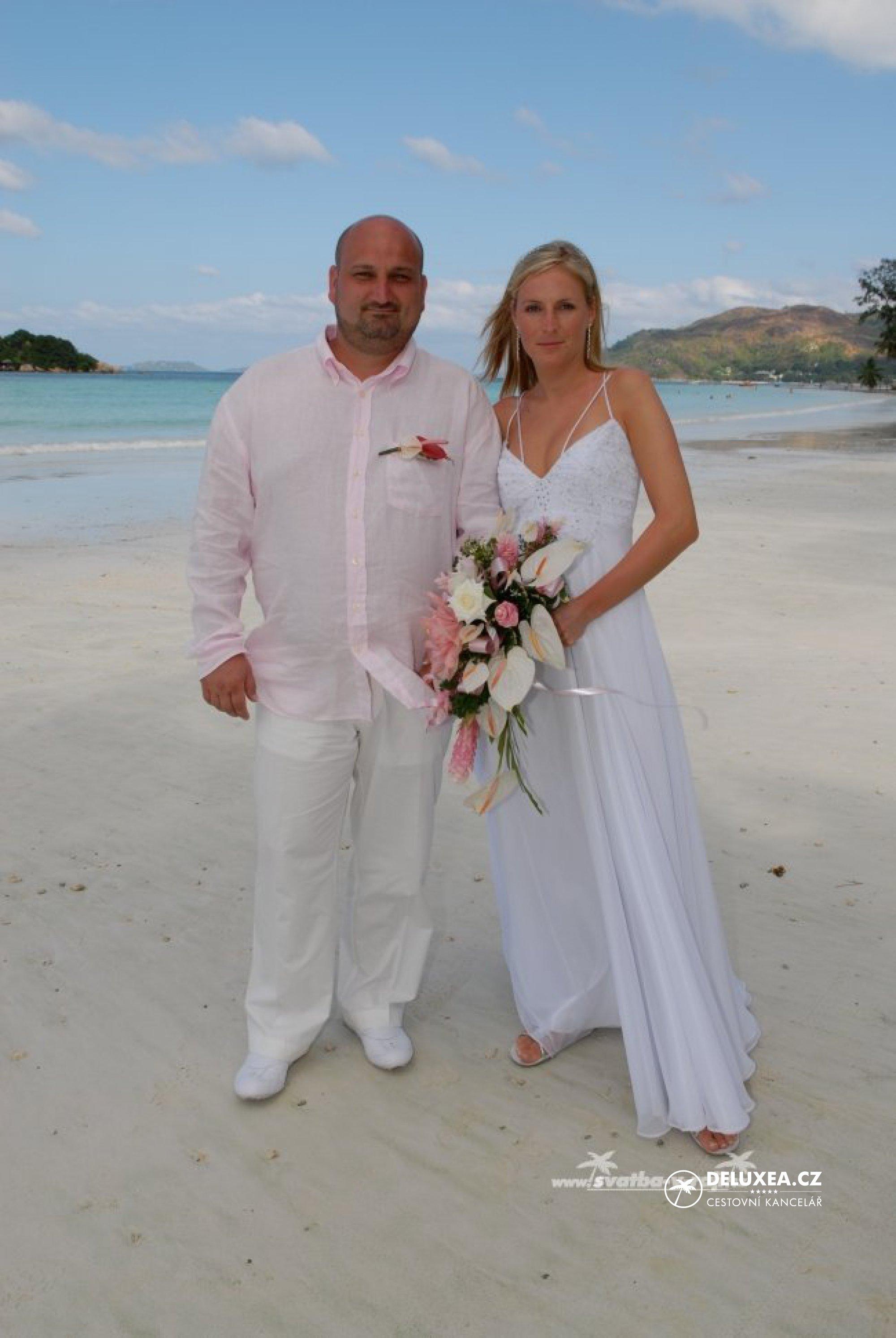 00c87c51eac Svatební šaty. Inspirace pro svatbu u moře. - DELUXEA