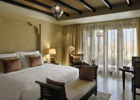 abu-dhabi-hotel-qasr-al-sarab-desert-resort-004.jpg