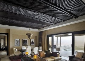 abu-dhabi-hotel-qasr-al-sarab-desert-resort-007.jpg
