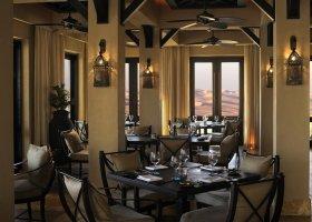 abu-dhabi-hotel-qasr-al-sarab-desert-resort-009.jpg