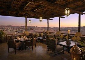 abu-dhabi-hotel-qasr-al-sarab-desert-resort-018.jpg