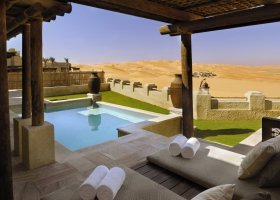 abu-dhabi-hotel-qasr-al-sarab-desert-resort-033.jpg