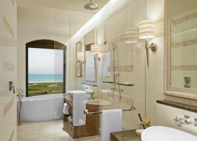 abu-dhabi-hotel-the-st-regis-saadiyat-island-resort-061.jpg