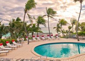 bahamy-hotel-coral-sands-hotel-030.jpg