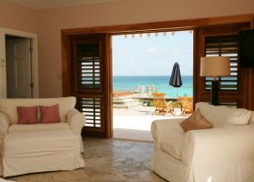 bahamy-hotel-pink-sands-resort-020.jpg