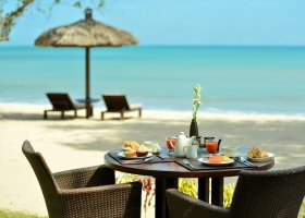 bali-hotel-belmond-jimbaran-puri-070.jpg