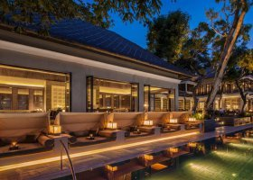 bali-hotel-four-seasons-jimbaran-005.jpg
