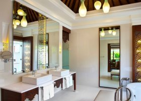 bali-hotel-the-laguna-resort-spa-238.jpg