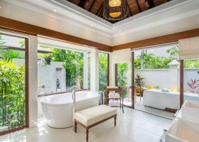 bali-hotel-the-laguna-resort-spa-240.jpg