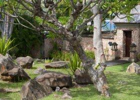 bali-hotel-the-oberoi-lombok-082.jpg
