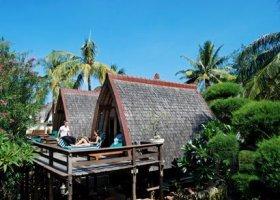 bali-hotel-vila-ombak-lombok-006.jpg