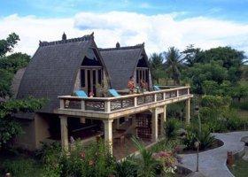 bali-hotel-vila-ombak-lombok-008.jpg
