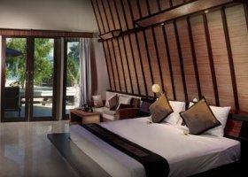 bali-hotel-vila-ombak-lombok-011.jpg