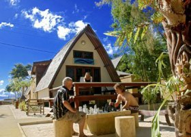 bali-hotel-vila-ombak-lombok-013.jpg