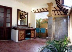 bali-hotel-vila-ombak-lombok-043.jpg