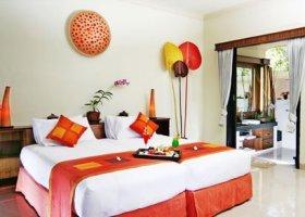 bali-hotel-vila-ombak-lombok-045.jpg