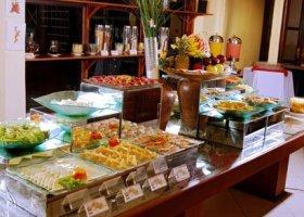bali-hotel-vila-ombak-lombok-046.jpg