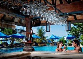 bali-hotel-vila-ombak-lombok-047.jpg