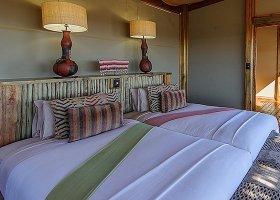 botswana-hotel-calahari-plains-camp-025.jpg