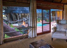 botswana-hotel-kings-pool-camp-034.jpg