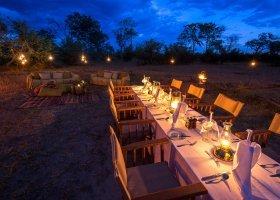 botswana-hotel-kings-pool-camp-042.jpg