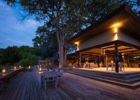 botswana-hotel-kings-pool-camp-050.jpg