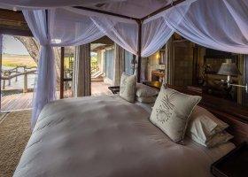 botswana-hotel-kings-pool-camp-056.jpg