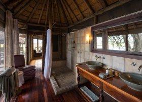 botswana-hotel-kings-pool-camp-057.jpg