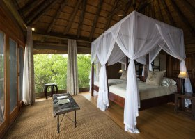 botswana-hotel-kings-pool-camp-058.jpg