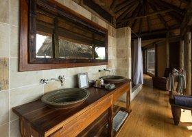 botswana-hotel-kings-pool-camp-060.jpg
