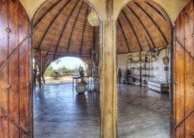botswana-hotel-okuti-001.jpg