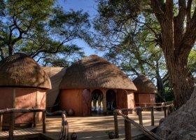 botswana-hotel-okuti-013.jpg