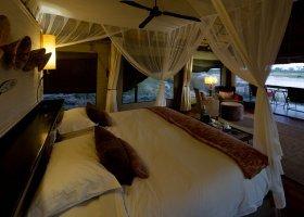 botswana-hotel-savuti-camp-054.jpg