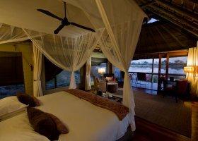 botswana-hotel-savuti-camp-059.jpg