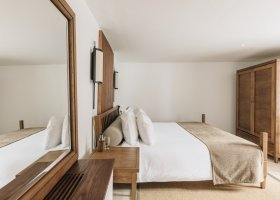 cerna-hora-hotel-aman-sveti-stefan-028.jpg