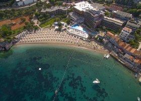 cerna-hora-hotel-maestral-resort-casino-004.jpg