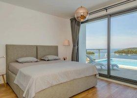 chorvatsko-hotel-family-4-bedroom-pool-villa-003.jpg