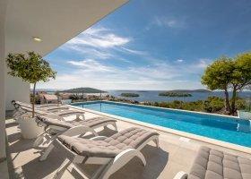 chorvatsko-hotel-family-4-bedroom-pool-villa-026.jpg