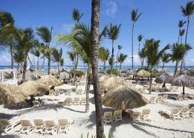 dominikanska-republika-hotel-bahia-principe-luxury-ambar-002.jpg