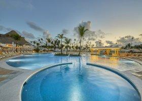 dominikanska-republika-hotel-bahia-principe-luxury-ambar-013.jpg