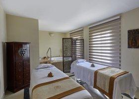 dominikanska-republika-hotel-bahia-principe-luxury-ambar-019.jpg