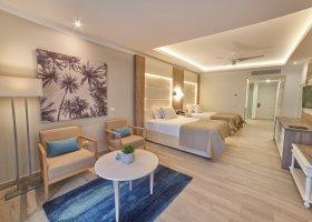 dominikanska-republika-hotel-bahia-principe-luxury-ambar-040.jpg