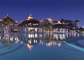 dubaj-hotel-anantara-dubai-the-palm-001.jpg