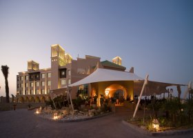 dubaj-hotel-desert-islands-resort-spa-anantara-028.jpg