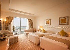 dubaj-hotel-habtoor-grand-beach-resort-spa-027.jpg