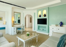 dubaj-hotel-habtoor-grand-beach-resort-spa-041.jpg