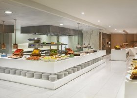 dubaj-hotel-habtoor-grand-beach-resort-spa-045.jpg