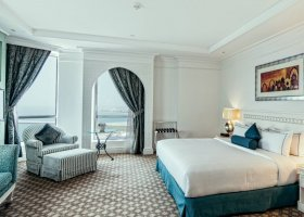 dubaj-hotel-habtoor-grand-beach-resort-spa-130.jpg