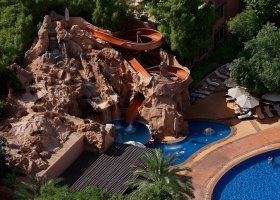 dubaj-hotel-habtoor-grand-beach-resort-spa-160.jpg