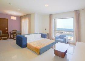 dubaj-hotel-hawthorn-hotel-suites-by-wyndham-jbr-067.jpg